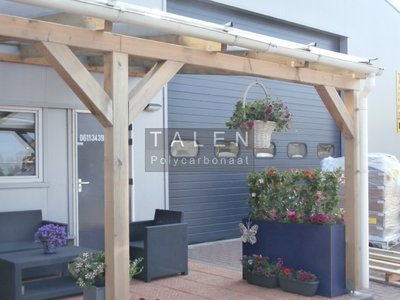 Bovenbouw dak polycarbonaat (12m breed en 1.5m diep) - Extra Helder.