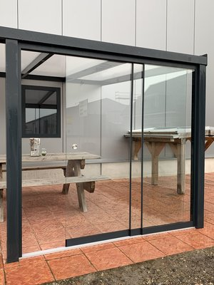 3 Glaswanden 98 cm breed 225 cm hoog totaal 290 cm breed