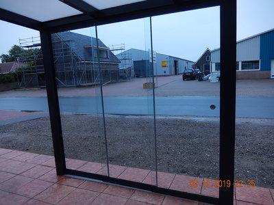 5 Glaswanden 82 cm breed 250 cm hoog totaal 402 cm breed