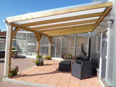 Bovenbouw dak polycarbonaat (8m breed en 2,5m diep) - Helder(lichtdoorlatend 75%)